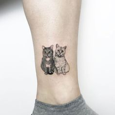 Double Tuxedo Cat & White Kitty Ankle Leg Tattoo Ideas for Women - tatuaje de to. - Double Tuxedo Cat & White Kitty Ankle Leg Tattoo Ideas for Women – tatuaje de tobillo pequeño ga - Trendy Tattoos, Small Tattoos, Tattoos For Women, Cool Tattoos, Gypsy Tattoos, Small Animal Tattoos, Fine Line Tattoos, Popular Tattoos, Kunst Tattoos
