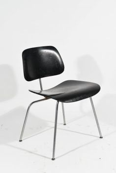 BLACK EAMES LCM CHAIR