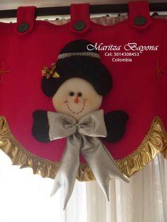 Resultado de imagen para cortinas de cocina navideñas Curtain Trim, Snowman, Diy And Crafts, Minnie Mouse, Merry, Christmas Ornaments, Holiday Decor, Veronica, Home Decor
