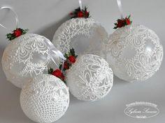 Как красиво сделать кружевной шар на елку в Новый год своими руками?