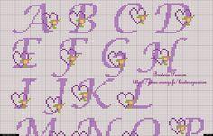Alfabeto morado con corazones para punto de cruz. | Oh my Alfabetos!