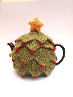 Christmas Tea Cozy by Sue Stratford - Digital Version Tea Cosy Knitting Pattern, Tea Cosy Pattern, Love Knitting, Knitting Patterns Free, Finger Knitting, Scarf Patterns, Crochet Patterns, Stitch Crochet, Crochet Geek