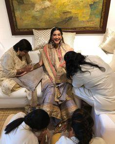 #shaadiwish #celebritywedding #indiancelebwedding #celebritybride #wedding #indianwedding #sonamkapoor #kapoorswedding #reception #mehendifunction