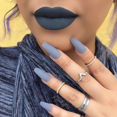 21 Perfect Matching Lipstick And Nail Polish For Your Inspiration Grey Matte Nails, Matte Acrylic Nails, Matte Nail Polish, Dark Blue Nails, Nail Nail, Matte Lips, Nagel Hacks, Nagellack Trends, Trendy Nails