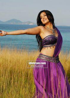 Actress Anushka Shetty Hot navel show-Seducing Pictures Beautiful Girl Indian, Most Beautiful Indian Actress, Beautiful Actresses, Actress Anushka, Bollywood Actress, Actress Priya, Bollywood Heroine, Bhojpuri Actress, Hindi Actress