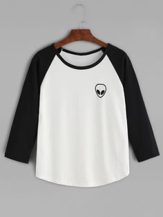 Black Alien Embroidered Raglan Sleeve Curved Hem T-shirt — 0.00 € color: Black and White size: L,M,S,XL