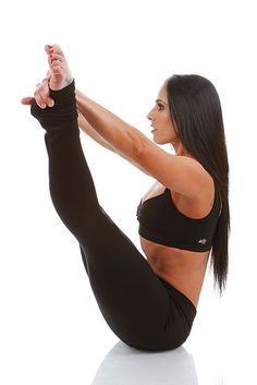 Yoga poses offer numerous benefits to anyone who performs them. There are basic yoga poses and more advanced yoga poses. Here are four advanced yoga poses to get you moving. Partner Yoga, Basic Yoga Poses, Yoga Tips, Yoga Fitness, Fitness Tips, Sports Bralette, Surya Namaskar, Advanced Yoga, Black Fitness