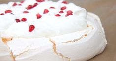 Klasszikus pavlova torta recept Rhubarb Recipes, My Recipes, Cake Recipes, Dessert Recipes, Desserts, Pavlova Cake, Meringue Pavlova, Rhubarb Cake, Hungarian Recipes