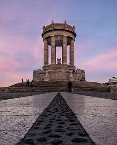 Ancona - Monumento ai Caduti _..in contemplazione - #Ancona #monumentoaicaduti #yallersmarche #IamATraveler #ilpassetto #marche  #destinazionemarche #photogram #passettoancona #whatitalyis #traveltrips #travelfriendly #wheretonext  #wanderlust #passetto #turista #tramonto  #italiainunoscatto #autumncolor #weareexplorer #italy_vacations #huffpostgram #fantastic_globe #viaggionellemarche #loves_italia#travelfriendly#architecture #tourism##instagramersoftheyear2016 #ig_italia_2016