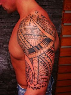 Arm Tattoo of Polynesian Maori style for Men representing one mixture of more than one hundred Polynesian Maori Symbols & Bands