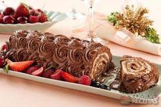 Receita de Rocambole de chocolate e nozes em receitas de doces e sobremesas, veja essa e outras receitas aqui!