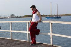 Fisherman In Red - Ein starker Kontrast zu meinen sonst eher engen Hosen, aber so bequem. Ich liebe außerdem die Farbe. http://speedtutorial.de/