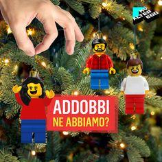 È ora di decorare l'albero di Natale con tutta la famiglia… letteralmente! 🎄