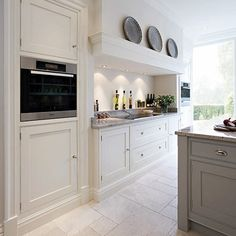 Shaker Kitchens - Contemporary Shaker Kitchen - Tom Howley