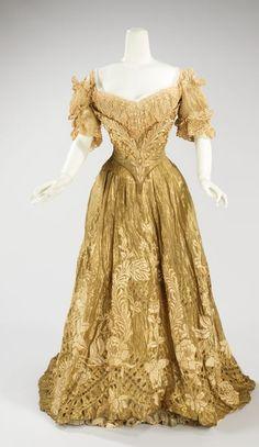 Doucet ballgown 1900