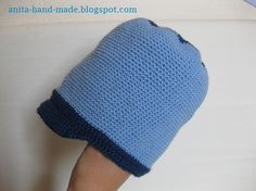 Wool hats for children and also good for babies.  Cappellino da bambino, in 100% pura lana vergine merino, morbido e supersoffice :)