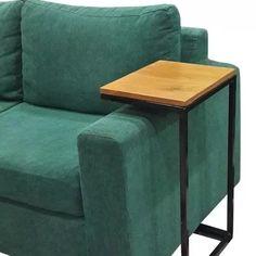 mesa ratona de arrime auxiliar industrial hierro y madera Le Petit Champlain, Couch Table, Log Furniture, Furniture Ideas, Decoration, Industrial Design, Living Room Decor, Interior Design, Wood