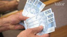 Dólar fecha em alta sem atuação do BC, mas abaixo de R$ 4 | Valor Econômico