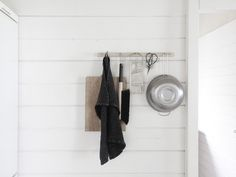http://www.timeoftheaquarius.com/2015/06/and-more-ready-cottage-corners.html