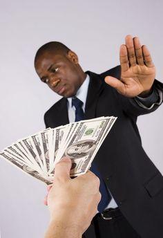 Humildad y Pobreza: Confusión Financiera #Finanzas #InteligenciaF