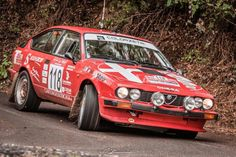 Classic Car News Pics And Videos From Around The World Alfa Gtv, Alfa Alfa, Alfa Romeo Gtv6, Alfa Romeo Cars, Sport Cars, Race Cars, Automobile, Lancia Delta, Rally Car