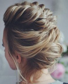Braided Hairstyles for wedding have grown in popularity over the past few seasons. Wedding Fishtail Braid is our favorite hairstyle. It's so elegant, unique, pretty and super flexible. You can make it easy. Here are in our gallery you can find some cute & stylish braided hairstyles for your wedding in 2018. #weddinghairstyles