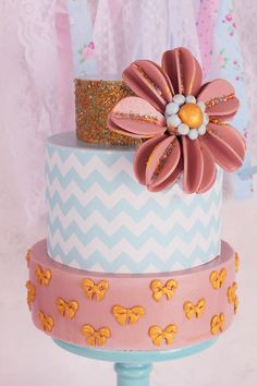 Tarta Chevron para fiestas (Y tutorial flor rueda en fondant!!) - Megasilvita Chevron Cake Tutorial