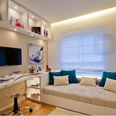 8 Teen Bedroom Theme Ideas That's So Great! Dream Bedroom, Home Bedroom, Girls Bedroom, Bedroom Decor, Bedroom Themes, Bedroom Ideas, Bedroom Storage, Wall Decor, Small Rooms