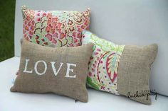 Almohadones Diy Pillows, Throw Pillows, Sewing Crafts, Sewing Projects, Applique Cushions, Burlap Table Runners, Burlap Crafts, Scatter Cushions, Handmade Home