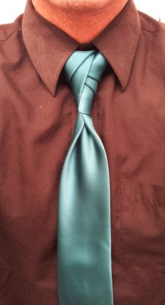 Things You Need to Know About Extra Long Ties Cool Tie Knots, Tie The Knots, Mens Fashion Suits, Mens Suits, Tie A Necktie, Necktie Knots, Fancy Tie, Extra Long Ties, Tie Styles