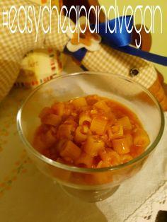 ZUPPA DI LENTICCHIE  Soffriggere un battuto di carota, cipolla, sedano in olio evo con uno spicchio di aglio.  Unire alloro, rosmarino, salvia e peperincino. Le lenticchie lavate, un bicchiere di polpa di pomodoro e un cucchiaio di concentrato di pomodoro.  Coprire tutto con acqua e cuocere a fuoco basso x 40 minuti.  Aggiustare di sale e servire con un filo d'olio e crostini o con la pasta.  #zuppa #lenticchie #primipiatti #inverno #vegan #veganfood #crueltyfree #cucinavegana…