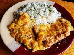 Szaftos, sajtos, tejfölös karaj recept lépés 4 foto I Am Always Hungry, Meat Recipes, Recipies, Curry, Pork, Food And Drink, Chicken, Ethnic Recipes, Foods