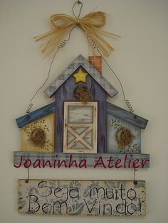 Casinhas Estilo Country, Arte Country, Country Crafts, Tole Decorative Paintings, Tole Painting, Fabric Painting, Pintura Country, Barn Wood Crafts, Wooden Crafts