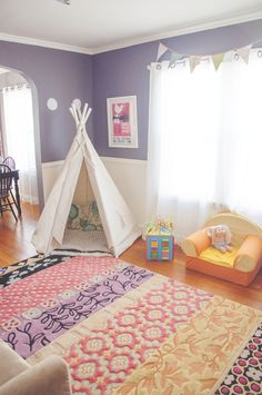 Quick, easy + inexpensive toddler Christmas Gift Idea: Play Room DIY Teepee…