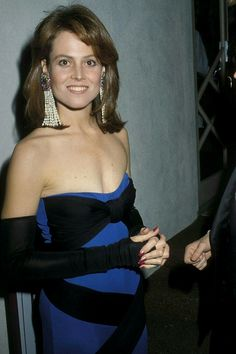 Sigourney Weaver, 1983 - Getty Images/ Ron Galella, Ltd. Sigourney Weaver Young, Hollywood Actresses, Actors & Actresses, Oscar Dresses, Actrices Hollywood, Interesting Faces, Celebs, Celebrities, Movies