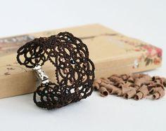 Hey, j'ai trouvé ce super article sur Etsy, chez https://www.etsy.com/fr/listing/189902361/bracelet-de-dentelle-marron-chocolat