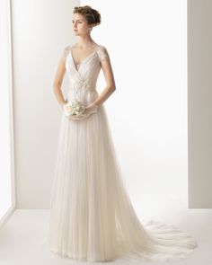 Charming A-line V-neck Short Sleeve Buttons Lace Sweep/Brush Train Tulle Wedding Dresses