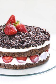 La torta di fragole e cioccolato.