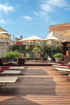 Appreciate Barcelona's good looks with a glass of bubbly by the rooftop pool. #Jetsetter Mercer Hotel Barcelona