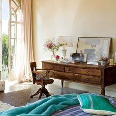 Charming Vintage Bedroom Design With Turqouise And Pink Accents | DigsDigs