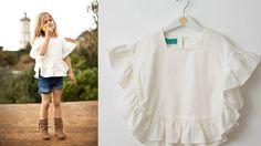 Poncho blanco para niña. por Armariodelasmeninas en Etsy, €42.00
