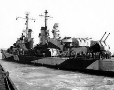 Port side view of USS San Diego (CL preparing to tie-up at Mare Island on 10 April Uss San Diego, Dazzle Camouflage, Navy Day, Heavy Cruiser, Us Navy Ships, Naval, Army Vehicles, Military Diorama, United States Navy