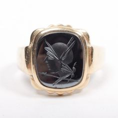 Mens 10K Ring with Engraved Pictoral Stone
