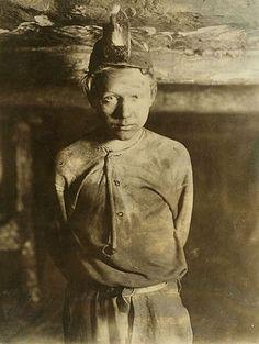 Child miners c. 1900. Taken from www.lostateminor.com