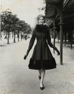Ciao Bellissima - Vintage Glam; Louis Faurer