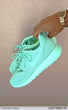 LOVE... mint Nikes to run in please