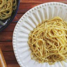 Sajt, bors, spagetti: itt a perfekt cacio e pepe receptje! Spagetti Recipe, Spaghetti, Mac, Pasta, Cooking, Ethnic Recipes, Kitchen, Food, Street