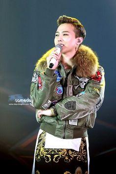 GD @ BIGBANG +a concert in Seoul (cr on pic)