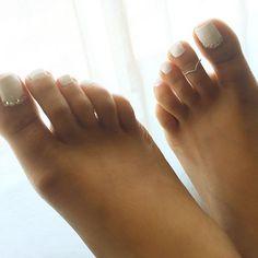 white nail polish on toes