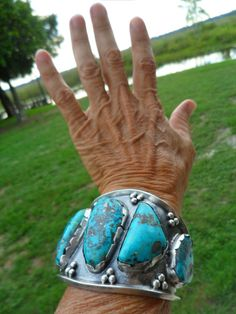 """Massive Navajo Old Pawn Morenci Sterling Cuff Great Bracelet--horrible """"hand model""""! Turquoise Rings, Vintage Turquoise, Turquoise Stone, Turquoise Bracelet, Rock Jewelry, Gemstone Jewelry, Silver Jewelry, Vintage Jewelry, Jewellery"""